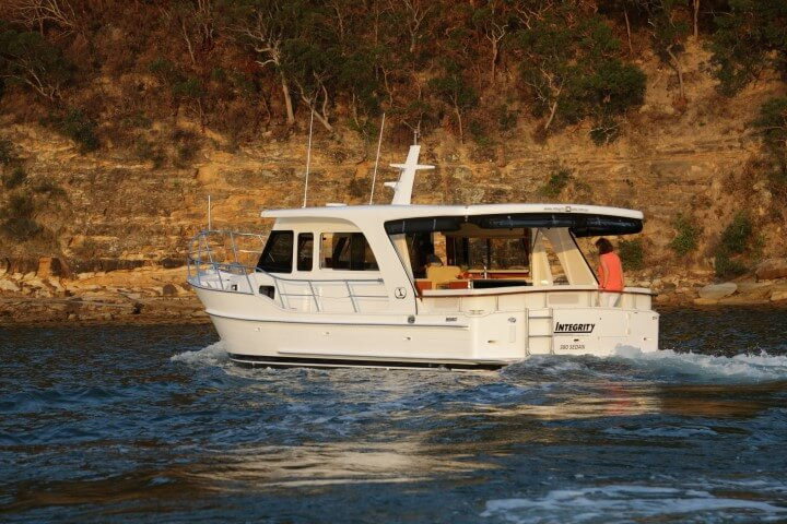 380 Sedan on the Pittwater