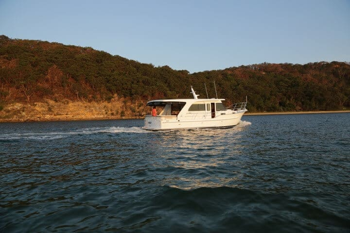 380 Underway on the Pittwater