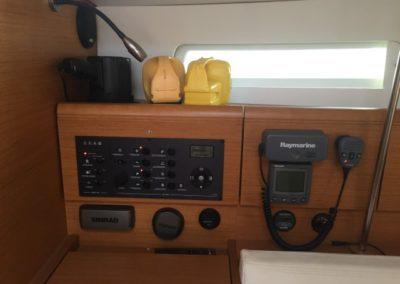 instrument-panel-high-power-spot-light-vhf-sound-system